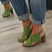 Coup de cœur pour ce vert !!💚🌴  À retrouver sur notre site : ➡️ www.soulierscompagnie.com  #casta #castashoes #chaussuresfemme #chaussurestendances #chaussuresmode
