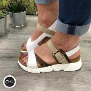 Craquez pour cette sandale avec cette semelle épaisse et ce trio de couleurs 🤩  À retrouver sur notre site ⬇️  https://soulierscompagnie.com/sandales-et-nu-pieds/1877-12646-san2.html#/1-matiere_interieure-cuir/5-taille-36/13-matiere_dessus-cuir/25-couleur_generique-blanc/77-semelle_interieure-synthetique/209-couleur-blanc  #gadea  #gadeashoes #chaussuresfemme #sansales #sandalemode #mode #tendance2021