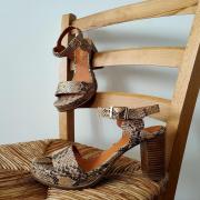 En attendant de se revoir, on vous présente une petite pépite!   #mamzelle #chaussuresfemme #chaussuresatalons #chaussuresàtalonshauts