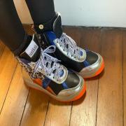 Une petite variante en orange et bleu 💙🧡#vaddia  #vaddiashoes #sneakers #sneakersaddict #chaussurestendances